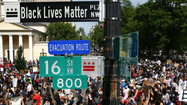 Protesters gather on the newly named Black Lives Matter Plaza in Washington DC (6 June 2020)